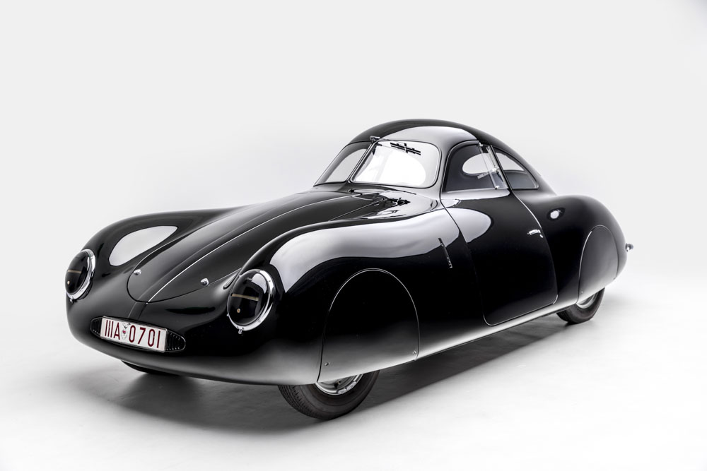 PETERSEN AUTOMOTIVE MUSEUM TO PRESENT OF THE MOST ICONIC - Iconic sports cars